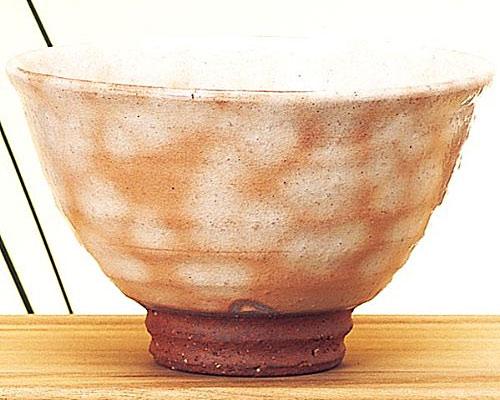 萩焼 抹茶碗 粉引き井戸型 椿秀作 化粧箱付