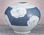 九谷焼 8.5号花瓶 釉描彩牡丹 青良窯