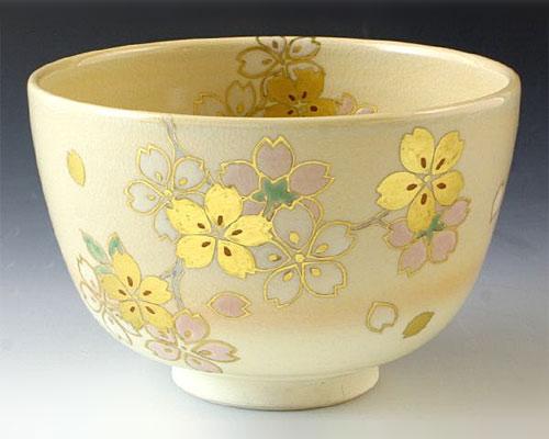 京焼・清水焼 抹茶碗 「 金彩桜 」