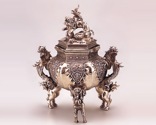 高岡銅器 白銅製 香炉 六角牡丹獅子 二上元威