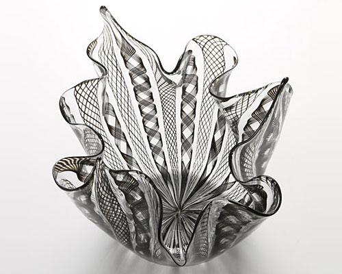 ベネチアガラス バラリン ベース フリル ブラック
